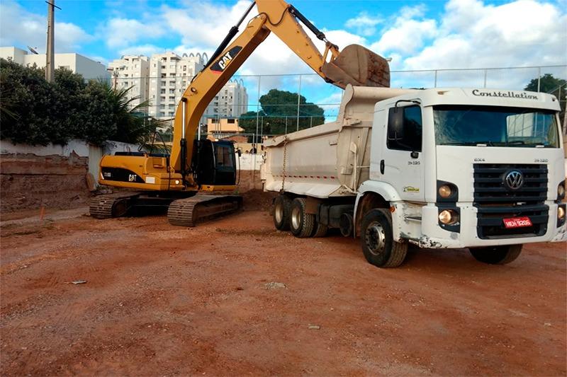 CLUBE DOS SINDMINERADORES: OBRAS DE CONSTRUÇÃO DAS PISCINAS A TODO VAPOR