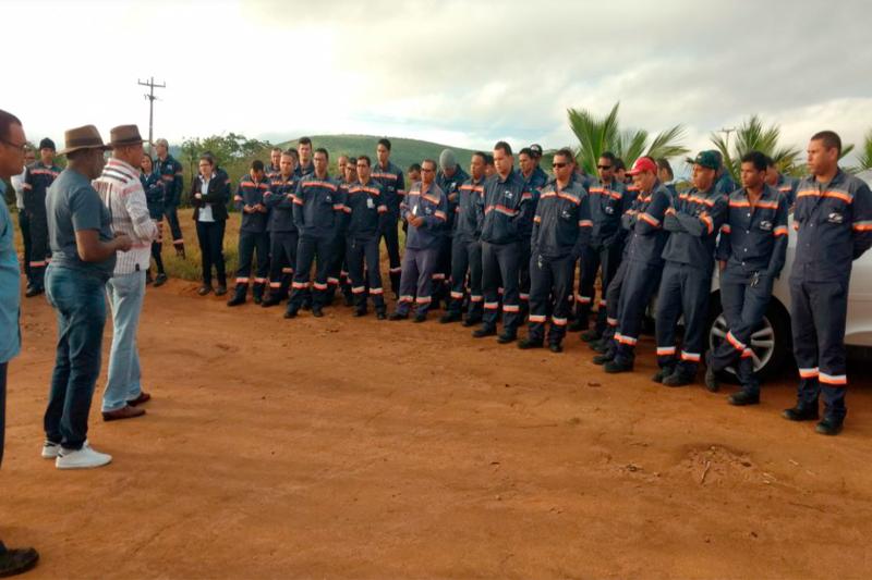 Trabalhadores da Fagundes em Maracás fazem paralisação relâmpago